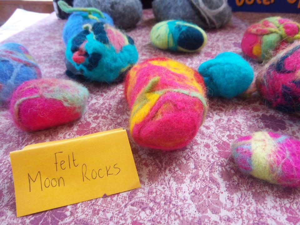felt-moon-rocks